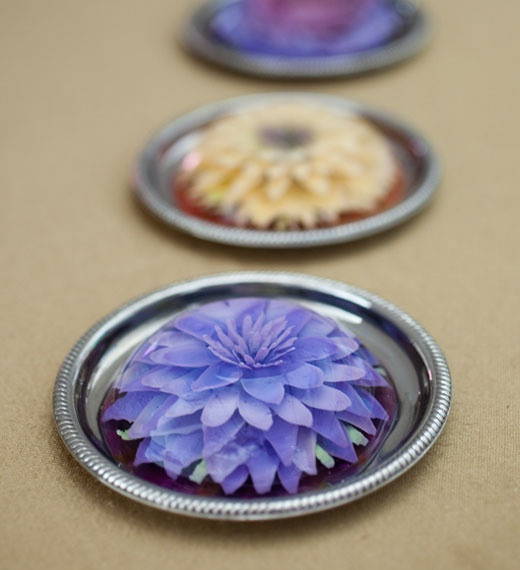 Not real flowers: it's entirely made with gelatin. SRSLY. Incredible.