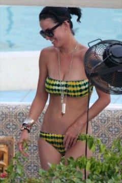 Katy Perry Bikinis at Rooftop Pool in Miami Beach