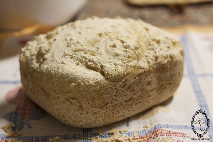 Pão Básico Sem Glúten na Máquina de Fazer Pão (MFP)... INGREDIENTES 300mL água 1 c.sopa azeite 1 c.chá açúcar 1 c.café sal 3x250mL farinha SEM GLÚTEN (pode usar o mesmo copo de medir a água) 4g levedura em pó Preço médio: 2.65€ p/ 8 fatias Comece por colocar a água e azeite na cuba da máquina, de seguida adicione o …</p>