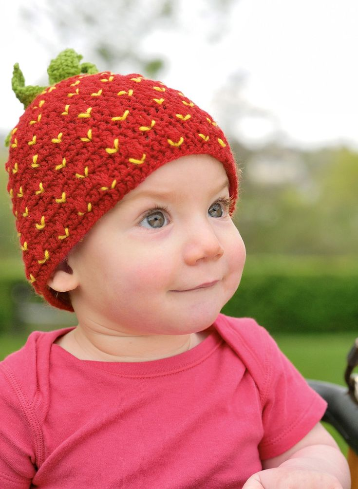 Strawberry hat - free crochet pattern - Adorable. Would work for Strawberry Shortcake Halloween costume too!