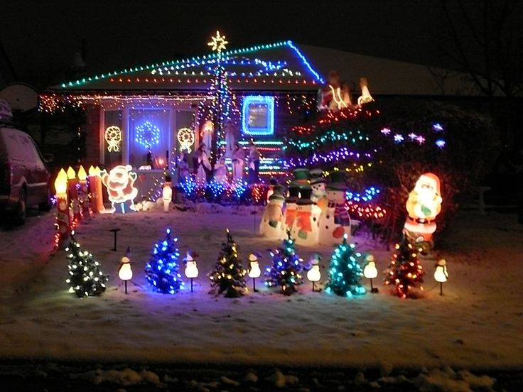 20 Spectacular Holiday Home Light Displays Home Design Interior Decorating Bedroom Ideas