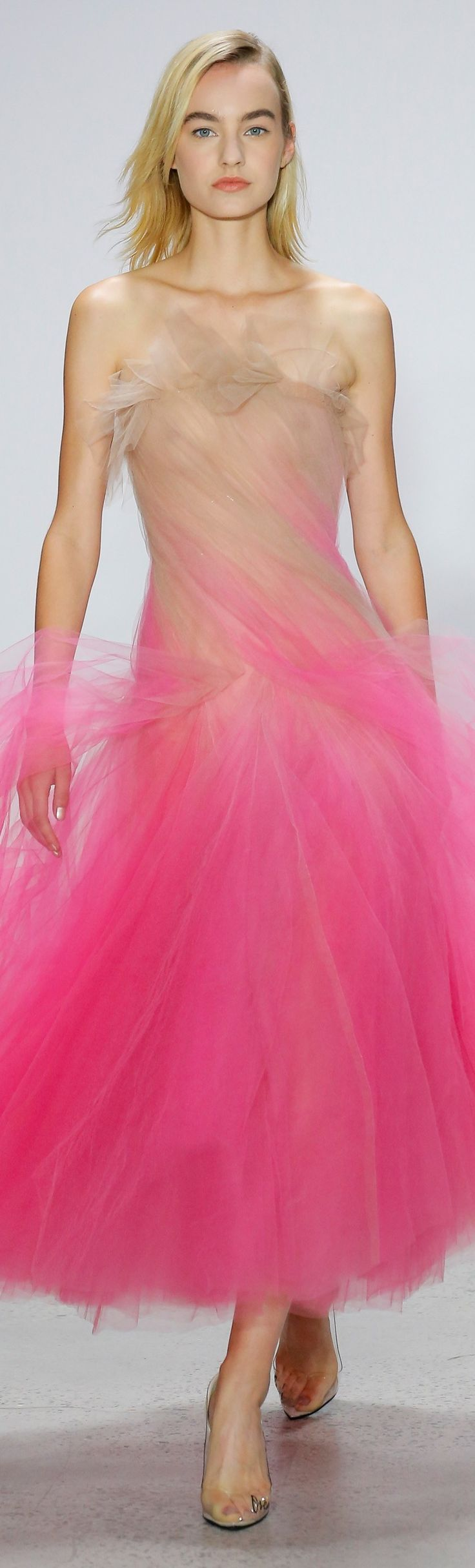 Spectacular pink ombre tulle dress by Oscar de la Renta new for Spring 2018. Enjoy RUSHWORLD boards, UNPREDICTABLE WOMEN HAUTE COUTURE, WEDDING GOWN HOUND and LULU'S FUNHOUSE. Follow RUSHWORLD! We're on the hunt for everything you'll love! #UnpredictableW