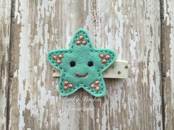 Cette pince à cheveux étoiles de mer vert menthe joli est brodé à la machine sur le feutre de laine-mélange et est agrémenté de coutures