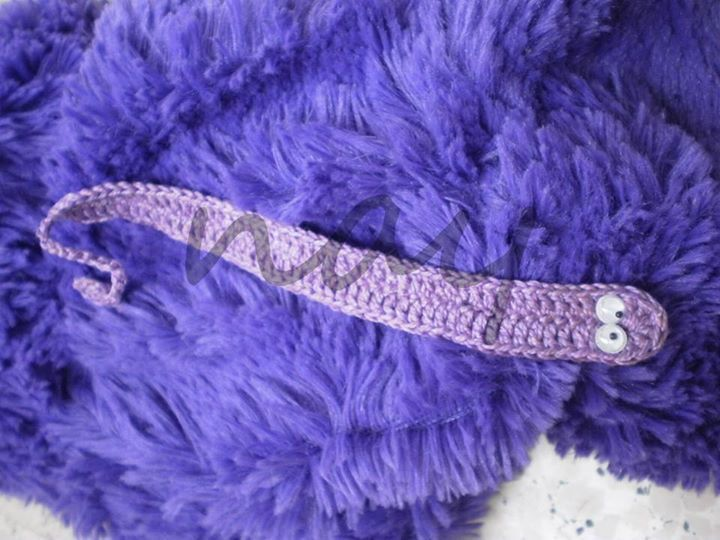 Cute Crochet Worm Bookmark BM8 from nay handmade by DaWanda.com