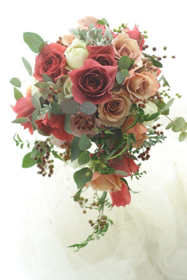 セミキャスケードブーケ ブラックティとジュリア エメヴィヴェール様への画像:一会 ウエディングの花