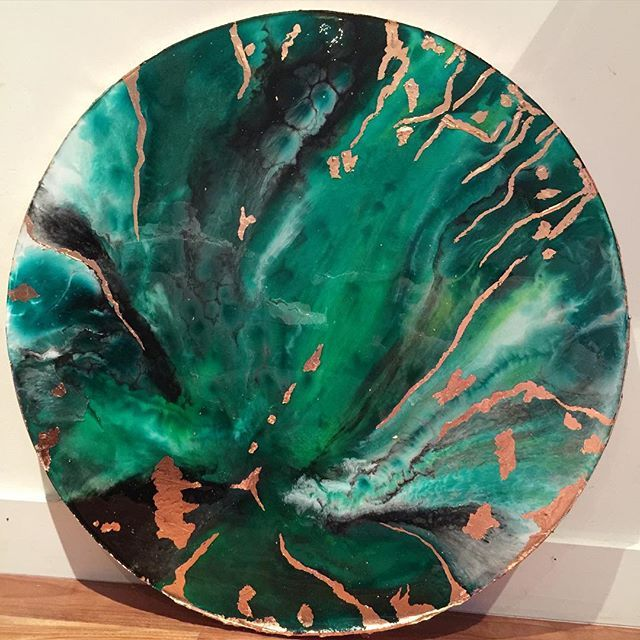 "✳️✳️✳️""Green Goddess"" with copper detailing. 75cm round canvas ready for its new home. Luscious green envy! ✳️✳️✳️ #resinart #resinartwork #resinpainting #affordableart #centralcoastartist"