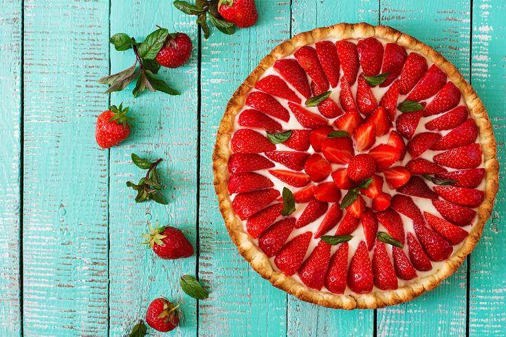 Come preparare un dessert con le fragole: ricette semplici e veloci con le fragole per creare dolci senza cottura al cucchiaio e non.