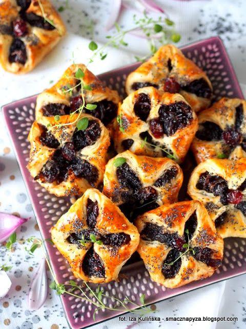 przekaski-z-ciasta-francuskiego-z-cebula