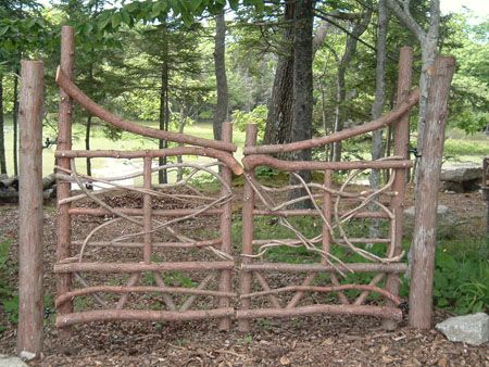 Rustic Wood Gates | Moosehead Rustic Art Hand Crafted Wooden Gates |