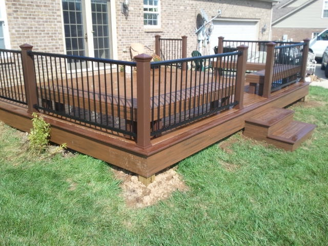 Ed Rum Trex Transcends Deck With Lava Rock Accents And Benches Aluminum Railing Decks In 2018 Pinterest Railings