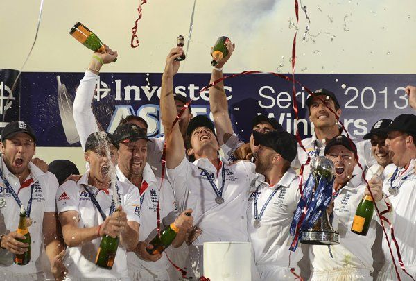 English players celebrated by urinating on pitch - Yahoo! Cricket India