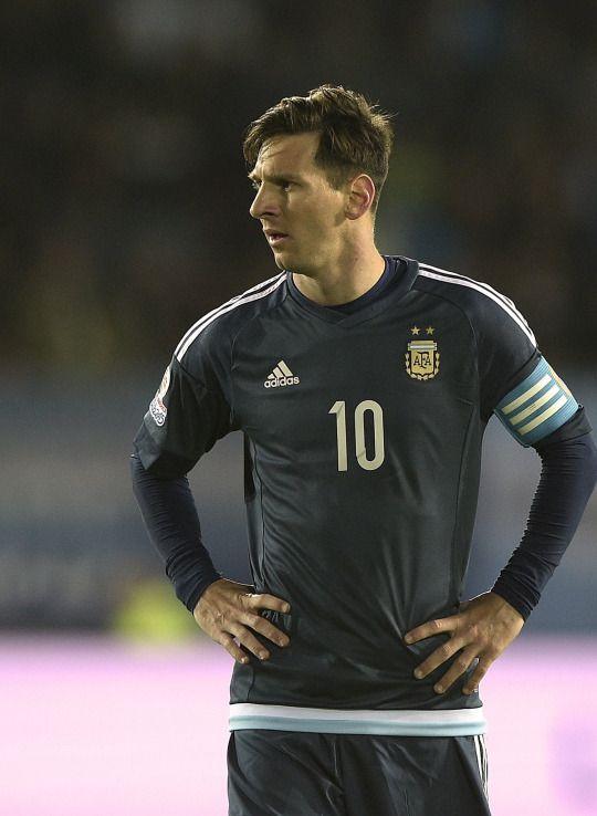 Lionel Messi                                                                                                                                                      Mais