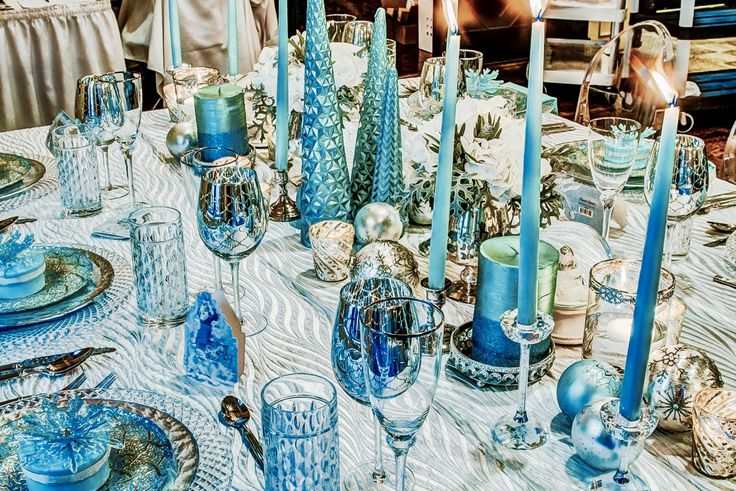 It's a winter wonderland!! Lovely monochromatic blue table scape with crystal accents.