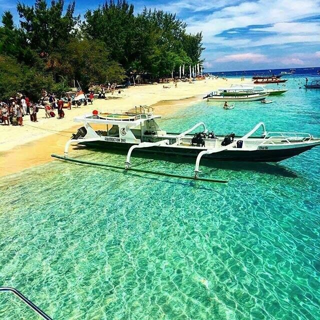 Gili Trawangan, Lombok Utara  https://www.facebook.com/lombok.friendly/photos/a.10153406382900983.1073741826.343324185982/10153406660990983/?type=3&theater