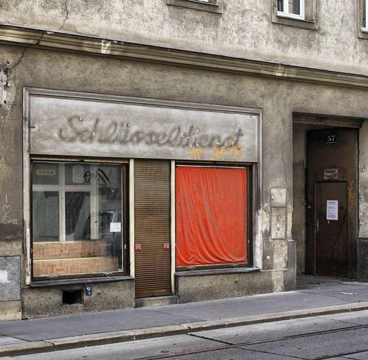 Einen seriösen Schlüsseldienst oder Aufsperrdienst in Wien zu finden, ist nicht immer leicht. Wir geben euch einen Überblick über die wichtigesten Kosten! #schlüsseldienst #ausgesperrt #aufsperrdienst #notdienst #seriös #preisvergleich #kosten #schlüssel #verloren #vergessen #türe #zugefallen #versperrt #haus #wohnung #wien #leichtgemacht #startup