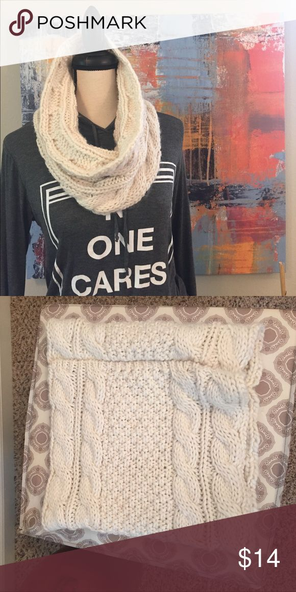 🆕Cream Colored Knit Infinity Old Navy Scarf 🆕Cream Colored Knit Infinity Old Navy Scarf. Brand-new. Very soft and will keep you warm. Top sold separately. Old Navy Accessories Scarves & Wraps