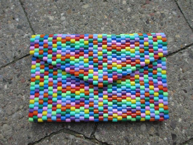 Make a clutch out of Hama/Perler beads!  Tutorial is in Danish and English, with photos.