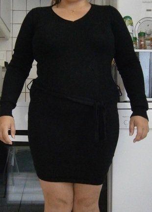 À vendre sur #vintedfrance ! http://www.vinted.fr/mode-femmes/petites-robes-noires/38455513-robe-noir-motif-musique-dans-le-dos