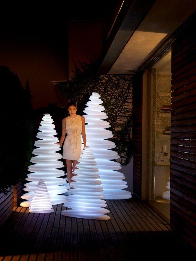 die besten 25 weihnachtsbeleuchtung au en ideen auf pinterest weihnachtsdeko ideen f r aussen. Black Bedroom Furniture Sets. Home Design Ideas