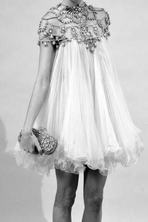 oh, the glamour!Alexander Mcqueen, Wedding Dressses, Fashion, Style, Clothing, Beautiful, Dresses, Marchesa, Pretty