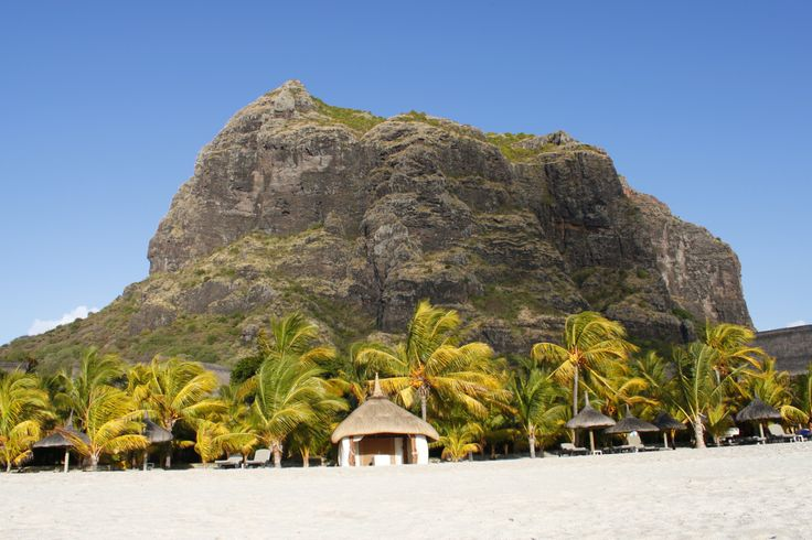 Lux Le Morne Beach