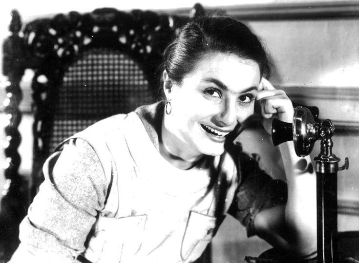 1943 La actriz argentina 'Niní Marshall' (Marina Esther Traveso) en una escena de la película 'Cándida' dirigida por Enrique Santos Discépolo