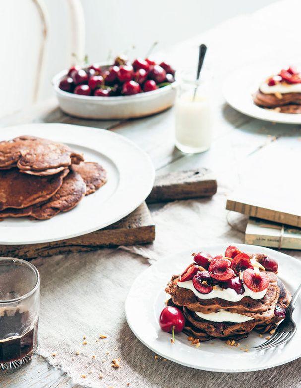 Pancakes au chocolat et aux griottes