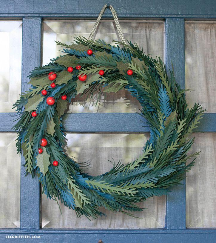 #DIYholidaywreath #paperwreath #holidaydecor www.LiaGriffith.com: