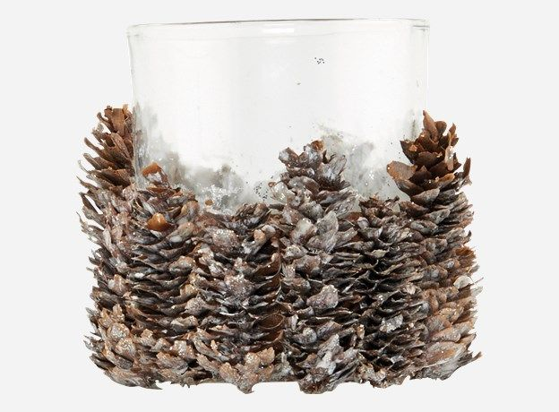 lille glas, grankogler, fake sne og en limpistol- housedoctor diy:)