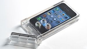 Underwater iPhone Case Only Lets You Use the Camera App -- Clever!