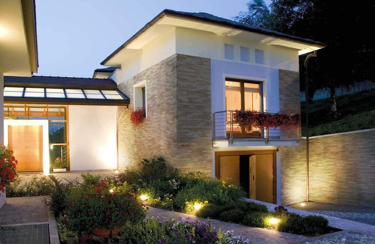 Pietra da rivestimento per esterni ed interni disponibili in vari colori e forme che si - Rivestimento esterno casa ...