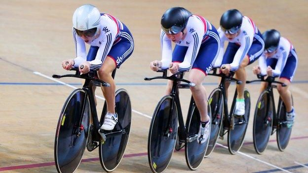 Great Britain's women take bronze in the Track World Cup team pursuit in Colombia despite Elinor Barker's illness.