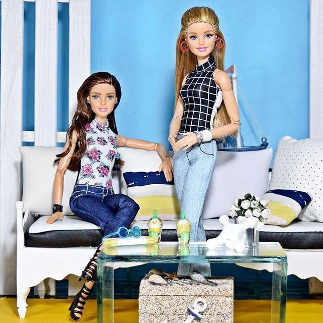 #Summer girls... New girl... Barbie Mix and Match. Love this concept. lots of styling options and endless play. First look is casual denim #dollphotography #dollsofinstagram #dollstargram #dudeswithdolls #dollphotography #dollphotogallery #dolls#doll#dollstagram#dollstylist #dolls##dollphotography#barbiemilitia#barbiecollector #ootd#thedollstylist #madetomovebarbie #madetomove