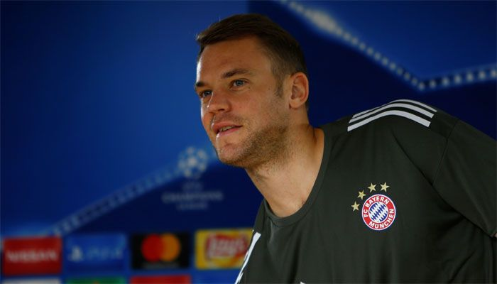 Bayern Munich goalkeeper Manuel Neuer out until January with another foot injury #FCBayern  Bayern Munich goalkeeper Manuel Neuer out until January with another foot injury  Berlin: Bayern Munich have confirmed their Germany goalkeeper and captain Manuel Neuer will be out until January having undergone another operation on Tuesday after again fracturing his left foot.  The 31-year-old had only returned at the end of August after fracturing the same foot in April.  He suffered the fresh…