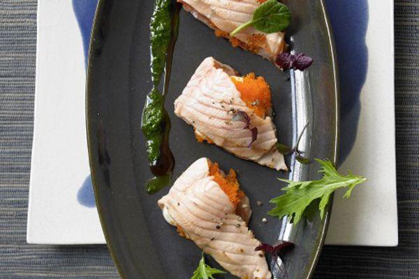 Gebranntes norwegisches Lachs-Sashimi mit Pesto und altem Balsamico