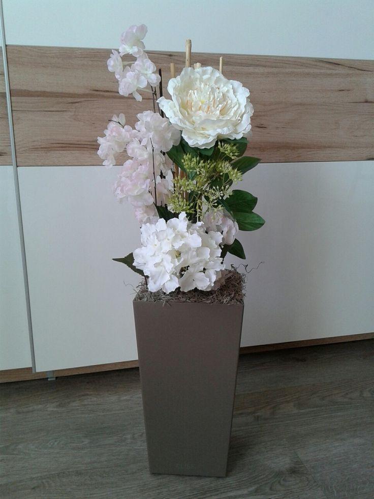 Něžná+vysoká+dekorace+Něžná+vysoká+dekorace-třešeň+větev,pivoňka,hortenzie,bambus.+Výška+dekorace+80cm,+délka+28cm,šířka+28cm.