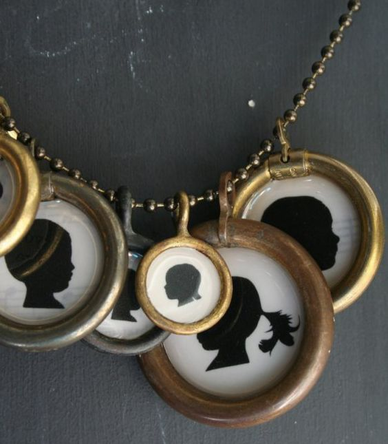 Family- i want to do this! every time a new family member is added i can add a charm...