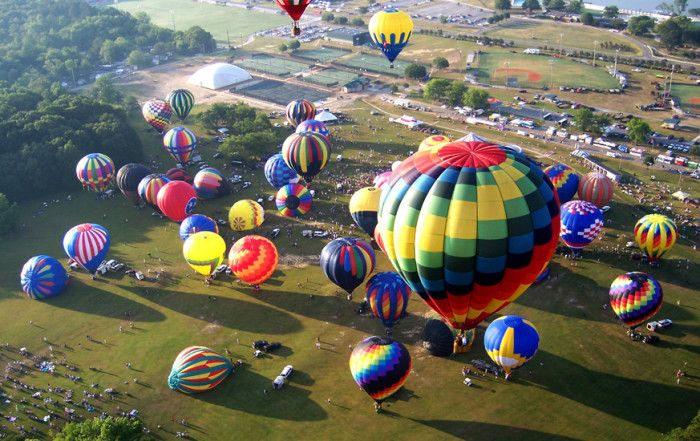 2. Attend the Alabama Jubilee Hot Air Balloon Classic.