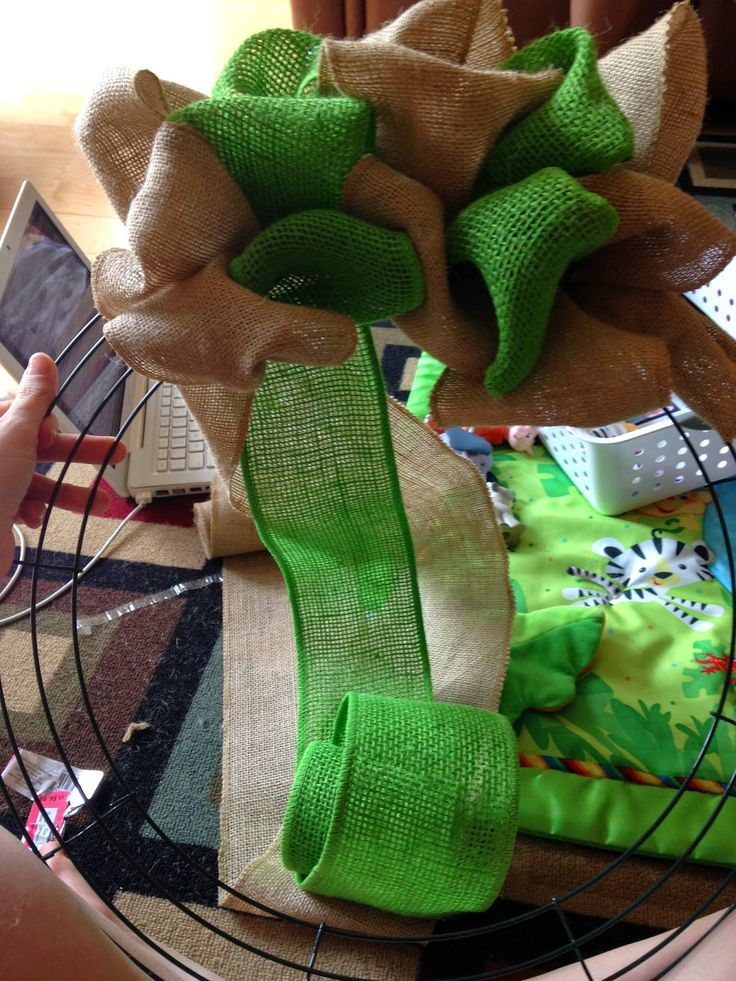 Tales from the Coast: Two-Tone Burlap Wreath Tutorial for Non-Crafty People