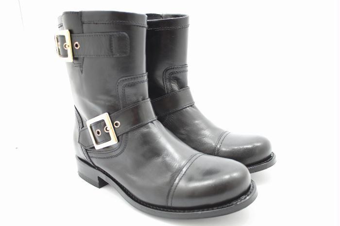 Sendra buckle booties!