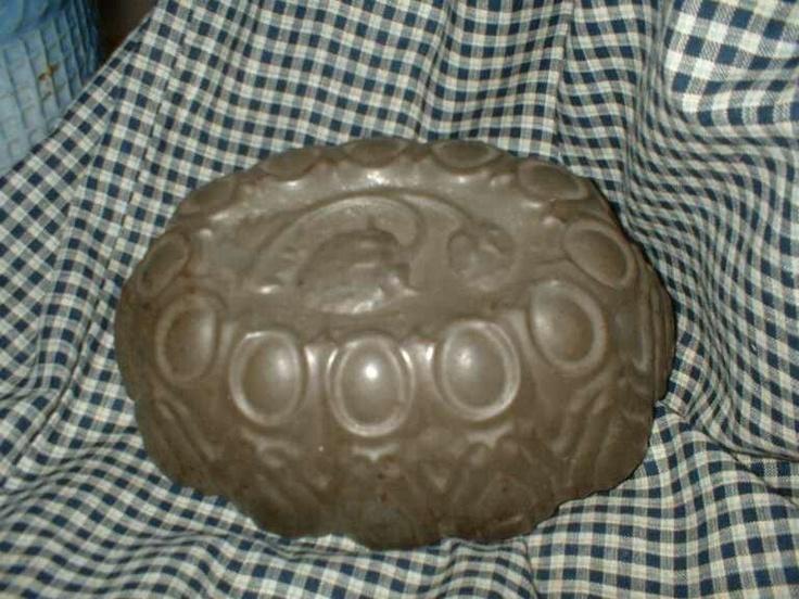 Embossed tin strawberrry mold