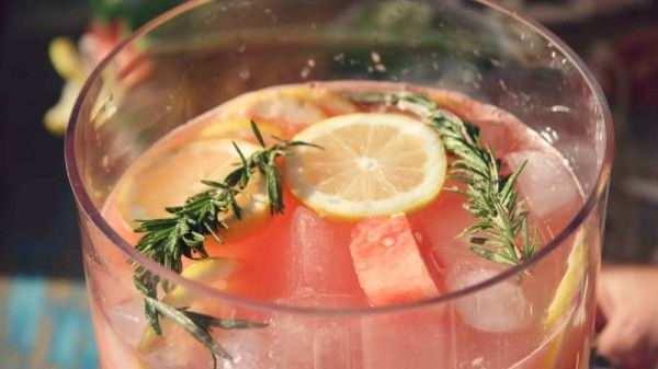 Rosemary Lemonade ♡ Watermelon Lemonade, Rosemary Lemonade Booze ...