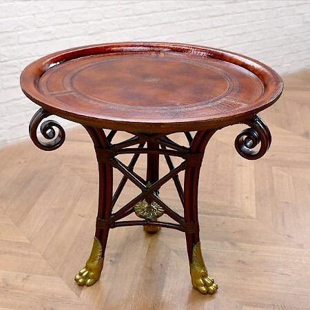 MAITLAND-SMITH(メートランドスミス)によるサイドテーブルです本革張りの天板と獣脚備えた個性的なサイドテーブルです生活空間のアクセントとしてはもちろんショップのディスプレイとしてもおすすめですこの商品はプロフィールに記載のURLからご購入いただけます    #目黒通り #都島本通り #インテリア #rocca #六家道具商店 #izuya #interior #furniture #vintagefuniture #antiqfurniture #雑貨 #家具 #ヴィンテージ家具 #アンティーク家具 #家具修理 #メートランドスミス #サイドテーブル #ラタン #ローテーブル #クラシック #maitlandsmith #獣脚 #本革張り #テーブル