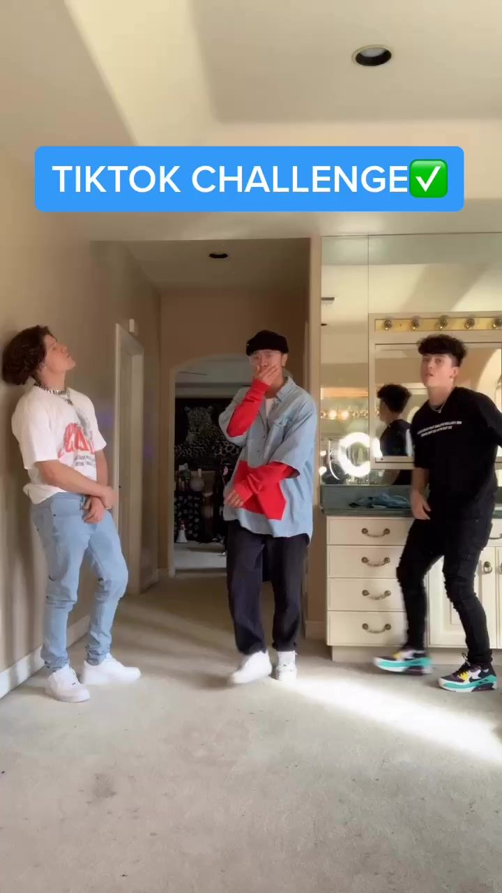Pin By Hallie On Singing Videos In 2020 Choreography Videos Videos Funny Dance Choreography Videos