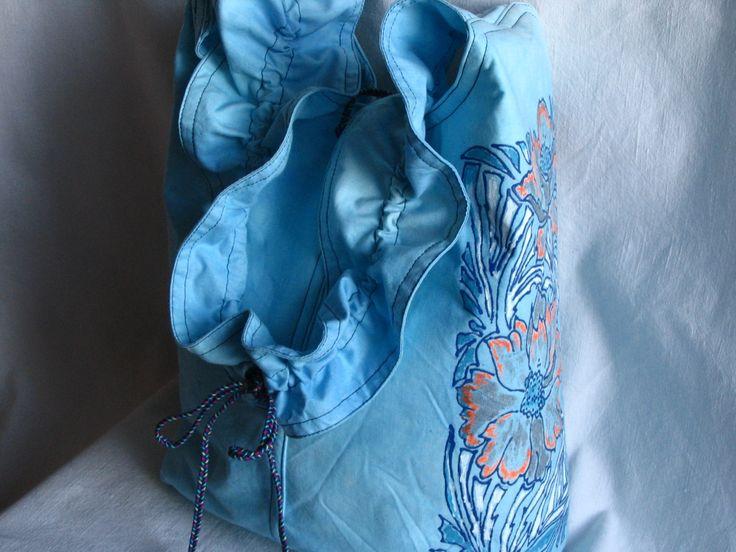 malovaná kabelka