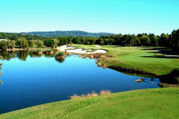 Places to tee off | Glades Golf Club, Robina