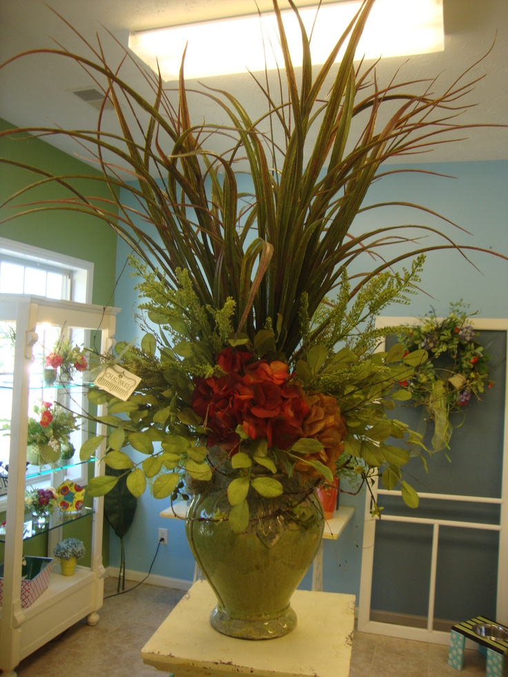 1000 images about flower arrangements on pinterest for Foyer flower arrangement