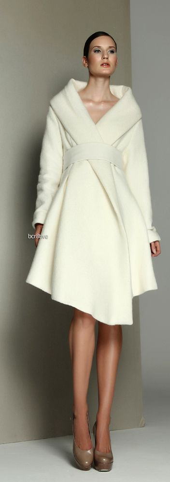 Fabulous dress/coat from Kamila Gawronska http://www.bestcutegifts.com/