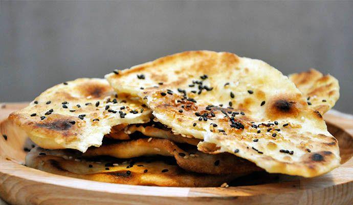 Gluten-Free Flatbread with Sesame Parathas Lipii fara gluten cu susan la tigaie vegan