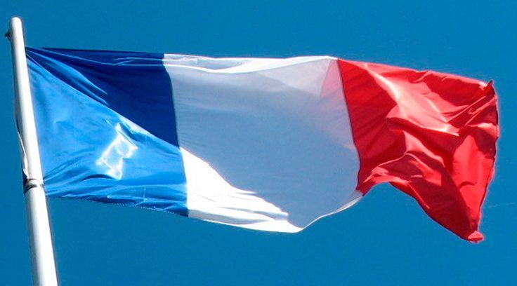 """La comunidad musulmana debe levantarse para expresar su disgusto por el secuestro del Islam a manos de criminales, indicaron dos imanes franceses tras el atentado contra la oficina de la revista satírica """"Charlie Hebdo"""", en París (Francia), que dejó al menos 12 muertos. https://www.aciprensa.com/noticias/atentado-en-francia-iman-llama-a-musulmanes-a-protestar-contra-extremistas-70745/"""